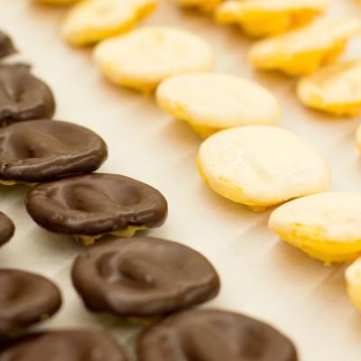 Caja de palmeritas artesanas de chocolate